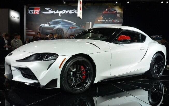 Toyota Supra é finalmente revelado no Salão de Detroit 2019, com vincos, curvas e fendas que transpiram dinâmica