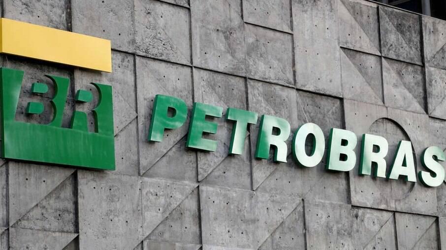 Onze estados e o Distrito Federal processam Petrobras por propaganda sobre preço da gasolina