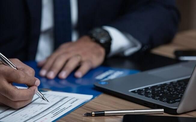 Profissional se confundiu quando deveria anexar contrato de seguro