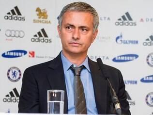 Mourinho não gostou das insistentes perguntas sobre a ausência de Kevin de Bruyne