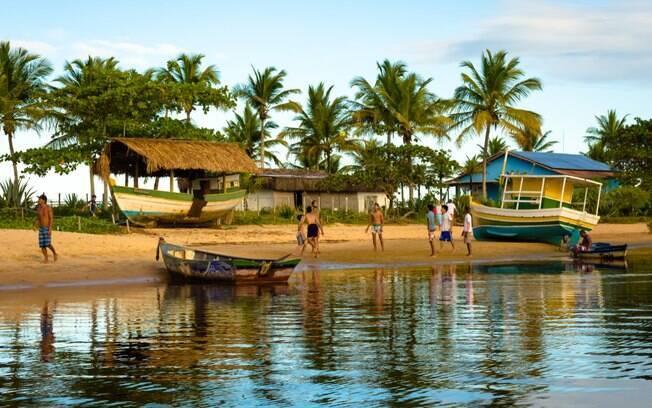barcos no rio Caraíva