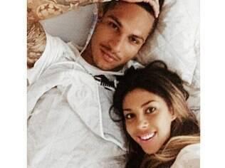 Guerrero com a namorada durante sua internação. Ele recebeu alta nesta sexta
