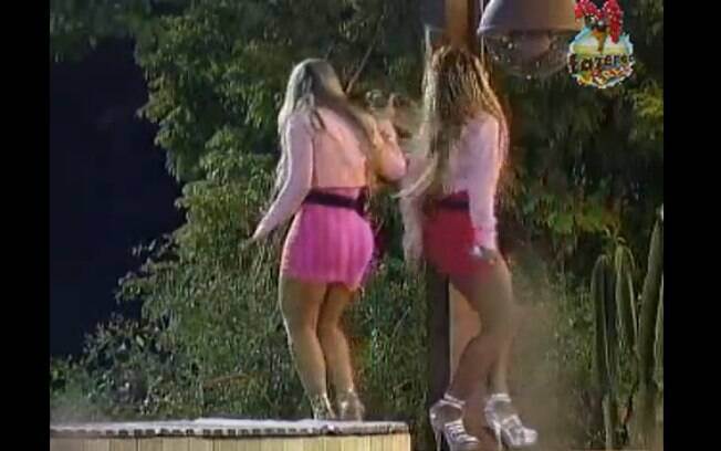 Ísis e Karine se apresentaram para os peões