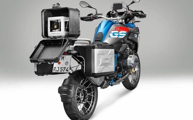 A impressora 3D vem com suporte e maleta para ser transportada. Segundo a BMW, aguenta até temperaturas extremas