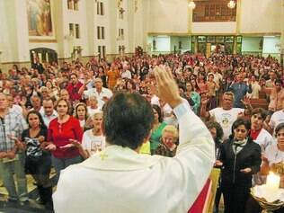 Tradição.  Desde sábado (6), fiéis estão lotando as celebrações   na matriz de Nossa Senhora do Carmo