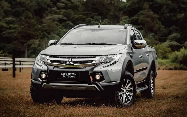 Mitsubishi L200 Outdoor 2021 recebe apenas novos detalhes como skid plate na frente e molduras de rodas pretas