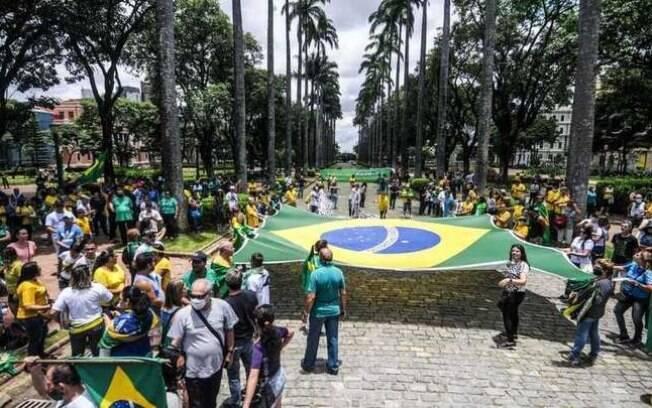 Bolsonaristas em protesto antivacina; a maioria não utilizava máscara