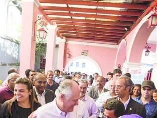 Pimenta da Veiga foi recebido, ontem, por apoiadores em Sabará