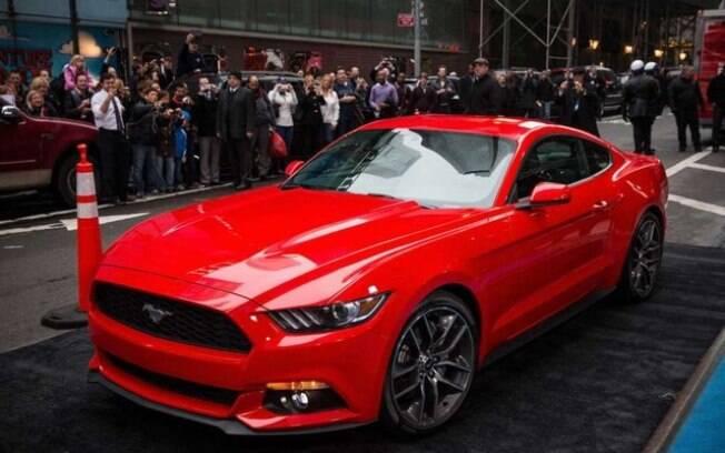 Lançamento do Ford Mustang aconteceu na 42St East com a Time Square, em NY (EUA), com cobertura ao vivo da mídia
