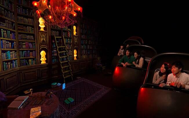 Os fantasmas da Haunted Mansion, na Disney em Tóquio, são assustadores e, ao mesmo tempo, bem-humorados
