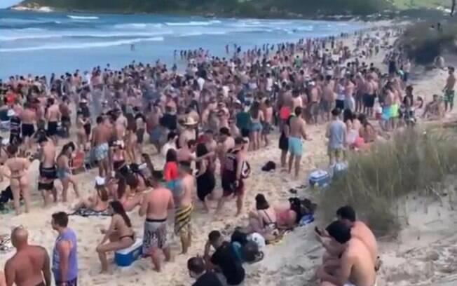 Praia do Rosa na pandemia