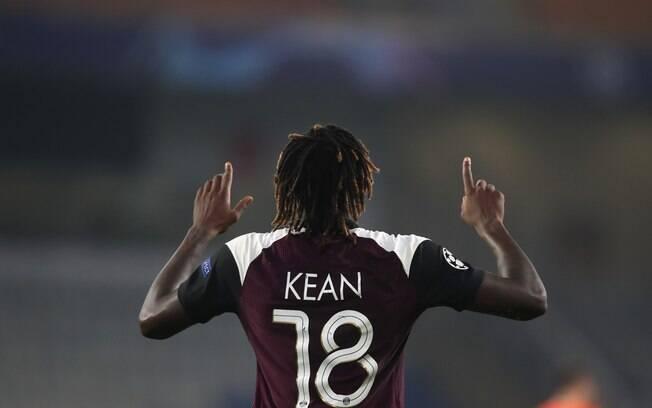 Kean marcou os dois gols da vitória do PSG