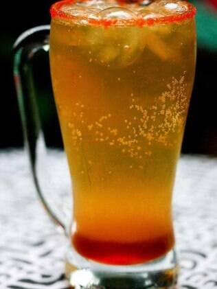 Michelada: drinque com cerveja