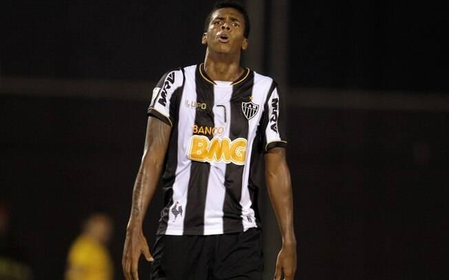 Jô lamenta chance desperdiçada pelo  Atlético-MG no Paraguai