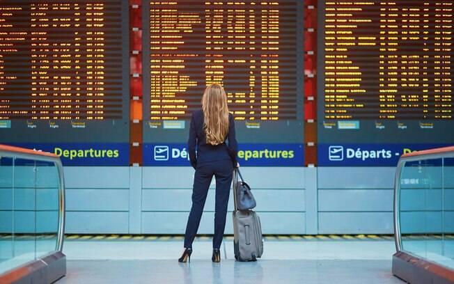 Fique tranquilo. Lamentar perdi meu voo não é a única coisa a se fazer quando o avião partir sem você a bordo