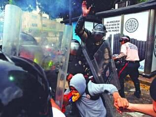 Abuso.  Os últimos três meses tiveram tantas manifestações no país quanto todo o ano de 2013, quando foram registrados 4.410 atos
