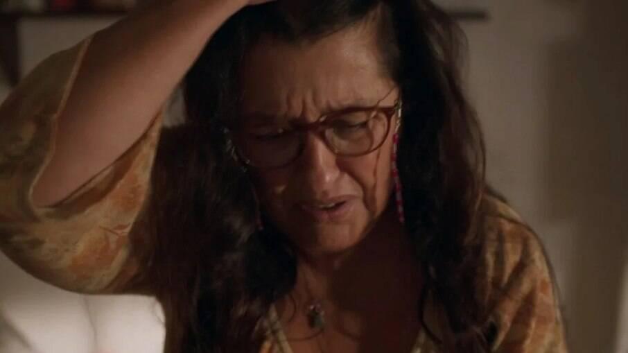 Thelma ameaça Lurdes, para que não revele seu segredo
