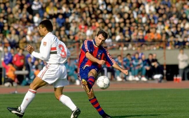 Stoichkov foi campeão da Europa com o Barcelona em 1992 e disputou o Mundial contra o São Paulo