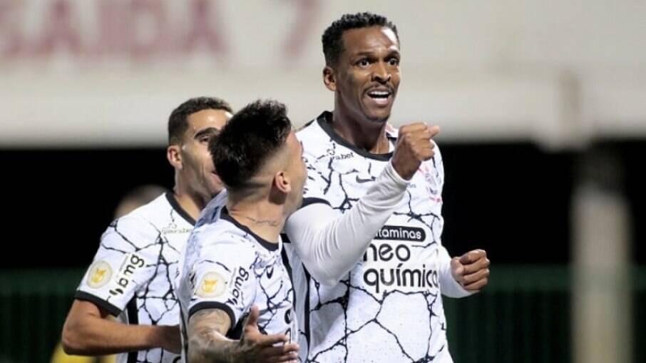 Corinthians reedita parceria com patrocinador, que estampará frente da camisa