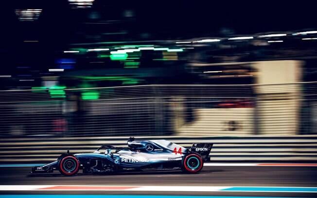 Lewis Hamilton venceu o Grande Prêmio de Abu Dhabi de 2018 e fechou temporada com chave de ouro