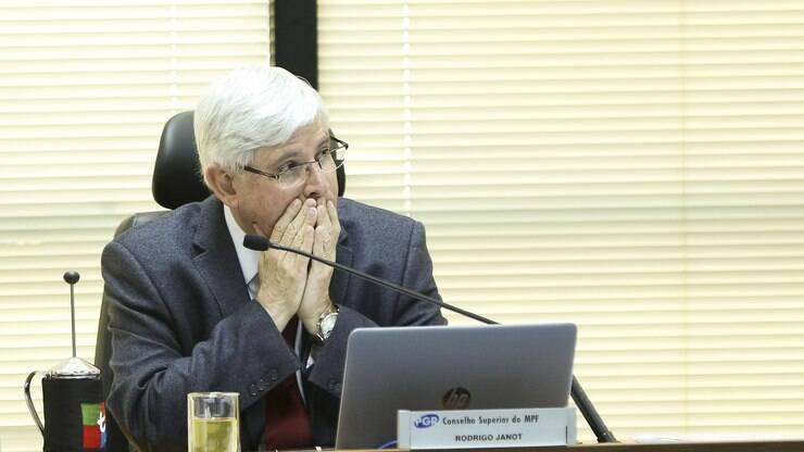 Operação Lava Jato: Janot pede arquivamento de investigação - Política - iG