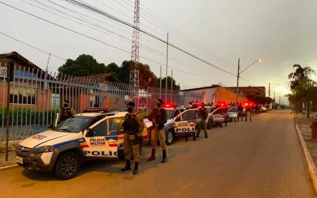 Polícia descobriu a localização de 144 foragidos por conta de seus pedidos de auxílio emergencial