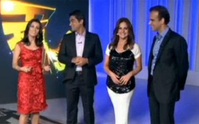 Renata Ceribelli ao lado de Patrícia Poeta, Zeca Camargo e Tadeu Schmidt