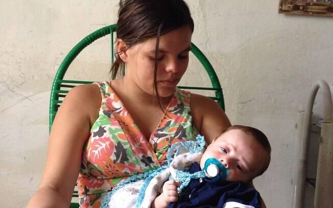 Algumas mães brasileiras sofrem pela espera do diagnóstico dos bebês que podem ter microcefalia
