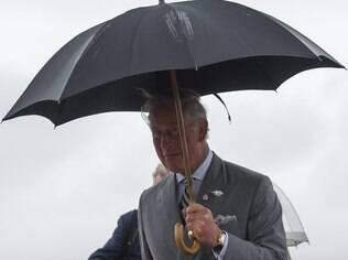 Príncipe Charles visitou a Jordânia e destacou trabalhos de fundação voltada a jovens