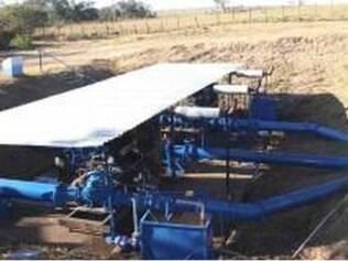 Uma das três bombas de acionamento da transposição do rio Claro para o rio Uberaba foi acionada na última semana