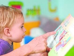 Momento de leitura com crianças é recomendado por especialistas