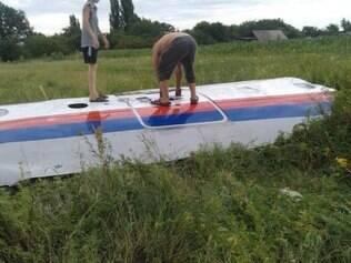 Segundo agência russa 'RT', destroço pode ser do avião que caiu nesta quinta-feira (17)