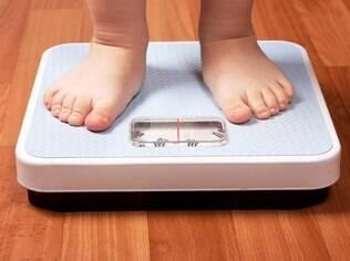 Tabelas específicas para crianças são usadas para detectar a obesidade infantil