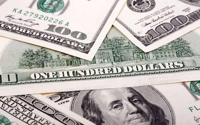 Cotação menor do dólar impulsionou os gastos do brasileiro do exterior, informou o Banco Central