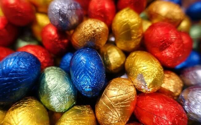 Ovos de chocolate e demais delícias de Páscoa podem provocar dor de dente sem os devidos cuidados