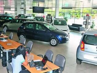 Varejo. Concessionárias estão cheias de veículos para vender e aguardam o retorno do consumidor, mas quase não há promoções