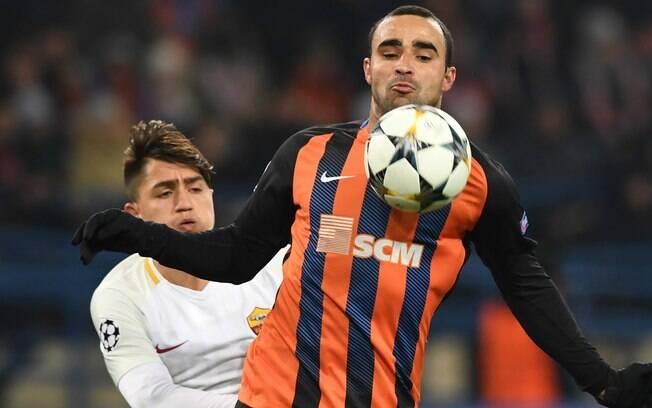 Ismaily em ação pelo Shakhtar na Liga dos Campeões da Europa