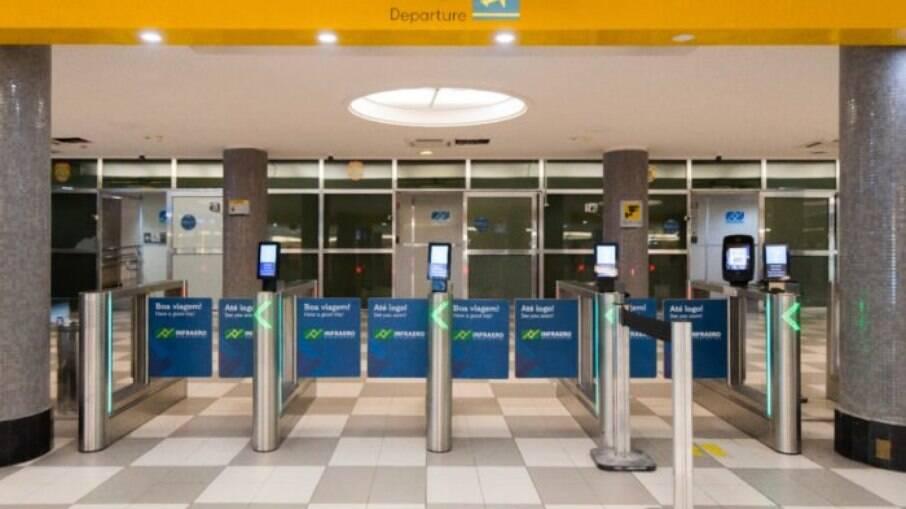Prefeitura monitora tripulantes de voo que chegou da Índia a São Paulo