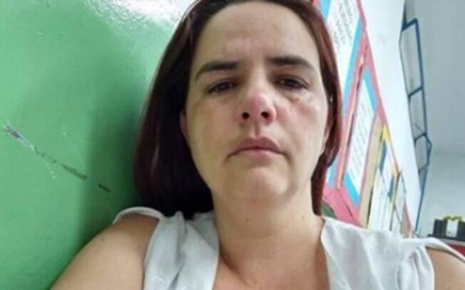 Professora levou tapas e foi xingada por proteger outro aluno