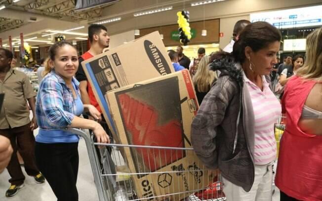Com Black Friday, vendas do comércio crescem 0,6% em novembro e setor avança pelo 7º mês seguido
