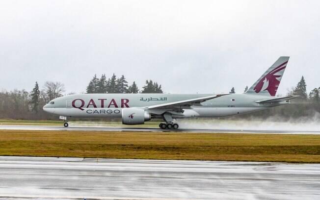 Boeing entrega de uma s vez trs 777F para a Qatar Cargo