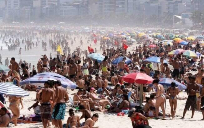 No feriadão de 7 de setembro, as praias da Zona Sul do Rio também ficaram tomadas de banhistas, que não respeitavam as regras de distanciamento