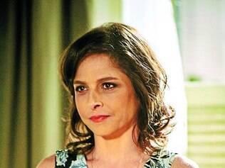 Agindo impulsivamente, Cora vai matar Fernando em breve