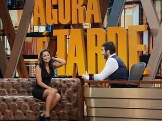 Larissa com o apresentador, Rafinha Bastos