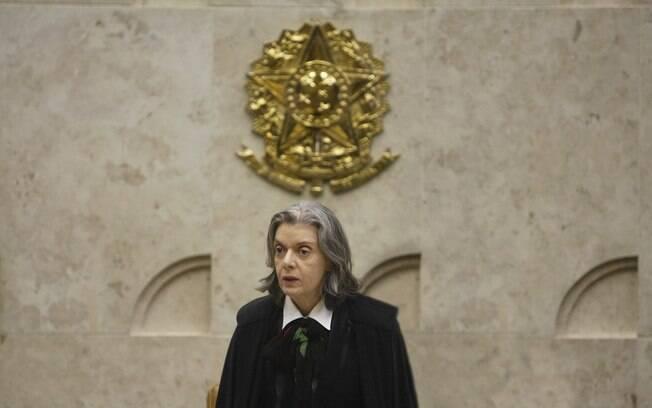 Cármen Lúcia marcou para o dia 2 de maio o julgamento da ação que pode resultar na restrição do foro privilegiado