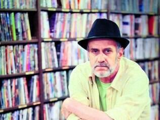 Em casa. Mineiro de Araxá, Evandro reside há cerca de 50 anos em São Paulo, onde consolidou a sua literatura