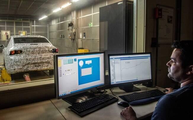 Os testes do Chevrolet Onix Sedan continuam acontecendo no Campo de Provas da GM, em Cruz Alta (SP)