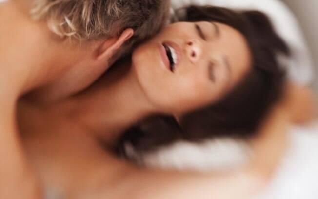 Uma mulher física e psicologicamente saudável tem a capacidade de ter orgasmos