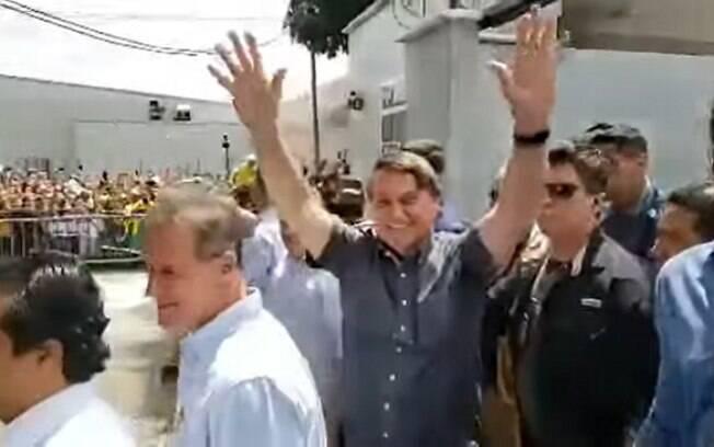Presidente compartilhou imagens de sua chegada na manhã desta quinta-feira (29)
