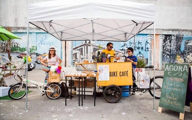 Bike Café vende cafés especiais por São paulo e usa 10% do lucro para o instituro Aro 60. Foto: Facebook
